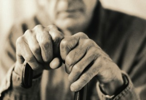 http://powlesslaw.com/wp-content/ uploads/2010/11/elderlyhands-licensed1.jpg